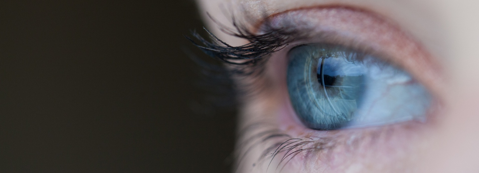 Vil du gerne slippe for brillen? Så få lavet en laser øjenoperation hos din øjenlæge Charlottenlund.
